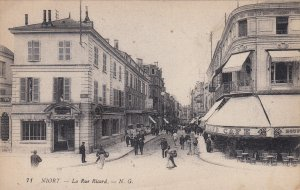 P1838 old pc niort - la rue ricard cafe people street scene france