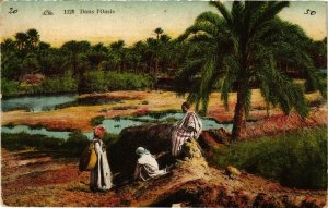 CPA Lehnert & Landrock 1126 Dans l'oasis TUNISIE (874000)