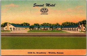 Wichita, Kansas Postcard SUNSET MOTEL 2328 South Broadway Roadside Linen c1950s