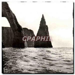 Postcard Modern Etretat high seas Views La Porte d Aval