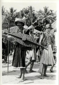 indonesia, NIAS, Native Warrior Shield Spear (1930s) Real Photo (12)