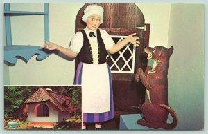 Tacoma Washington~Never Never Land~Old Mother Hubbard~Dog~Inset Pic House~1960s
