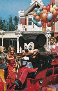 Walt Disney World Mickey Mouse The Chief Firemouse
