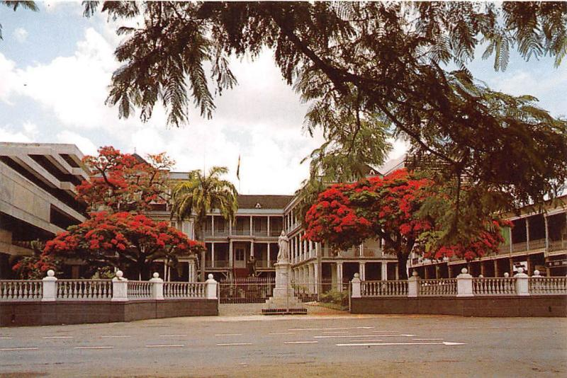 Ile Maurice Mauritius Hotel du Govuernement Gouvernment House Statue