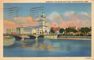 Cedar Rapids, Iowa, IA, Memorial Coliseum & Plaza, 1944 Linen Postcard c2429