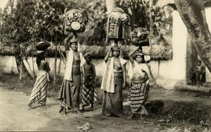 indonesia, BALI, Native Topless Balinese Girls Offerings (1910s) RPPC Postcard