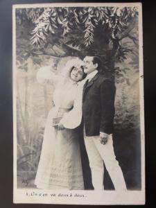 French Romance: Un s'en va deux a deux / Couple Picking Fruit c1903