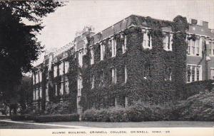 Iowa Grinnell Alumni Building