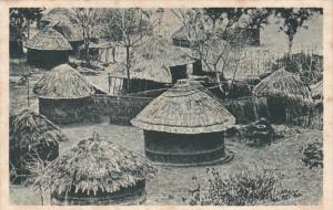 Africa Zimbabwe Rhodesia Un Kraal Les huttes village scene