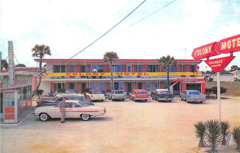 Daytona Beach FL Cottage Colonial Motel Telephone Booth Old Cars Postcard