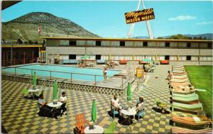 Majestic Motor Lodge Penticton BC Riverside Dr. Pool Unused Vintage Postcard D66