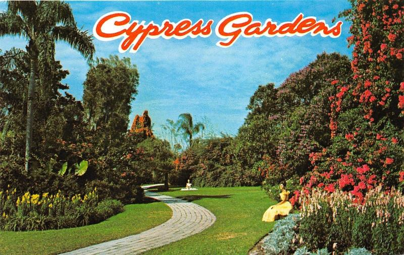 Winter Haven Florida~Cypress Gardens~Beautiful Ladies on Lawn~1960s Postcard