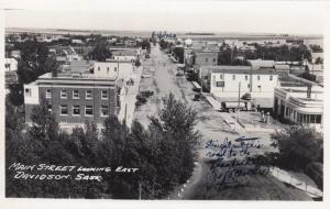 RP; DAVIDSON , Sask., 1910-30s ; Main Street Looking East