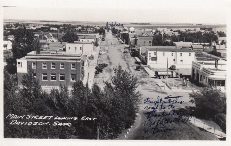 RP; DAVIDSON , Sask., 1910-30s ; Main Street Looking East