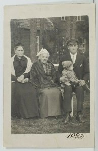 Rppc European Family Old Woman Well Dressed Man & Child Postcard O6