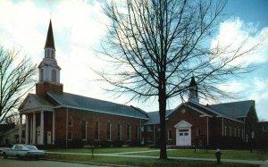 Smithfield, NC, First Baptist Church, Chrome Vintage Postcard g8937