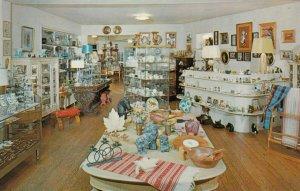 SCARBOROUGH, Ontario , Canada , 1950-60s ; Guildwood Village Gift Shop , Inte...
