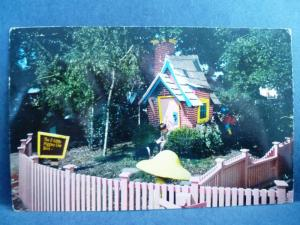 Postcard CA Oakland Children's Fairyland Three Little Pigs