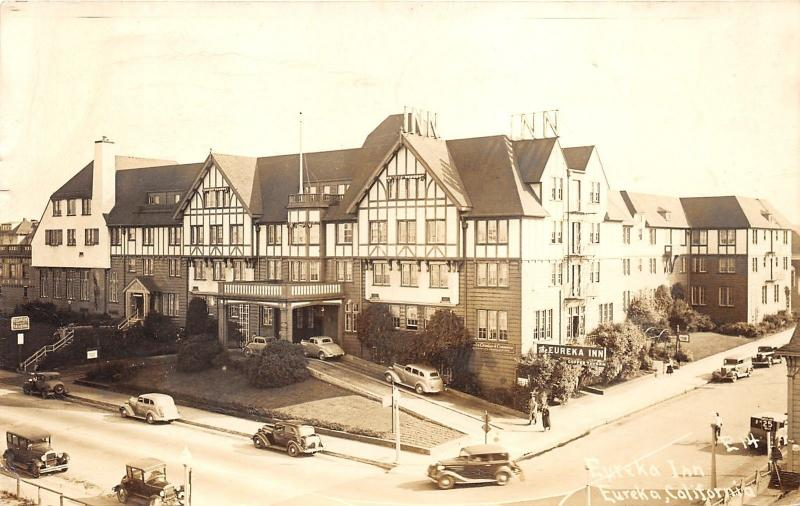 Eureka California~Eureka Inn~Classic Cars Pulling in Drive & on Street~1948 RPPC