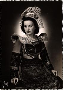 CPM France - Folklore - La Bretagne - Costume de la région de Pont-Aven (699659)