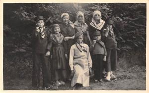 Netherlands Traditional Costume, Children Group smoking pipe Postcard