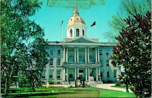 Concord NH State House Postcard unused (31004)