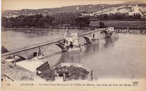 AVIGNON, Le Pont Saint-Benezet et la Vallee du Rhone, vue prise du Fort des D...