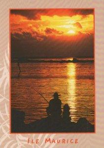 Mauritius Postcard -L'Attente De L'Instant Magique De La Prise Du Poisson RRR451