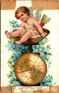 BABY on SCALE - Postcard - WISHING YOU MANY HAPPY RETURNS OF THE DAY - VINTAGE
