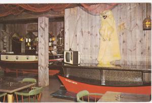 Newfoundland Room, Simwestco Hotel-Motel, Polar Bear Skin, GRAND FALLS, Newfo...