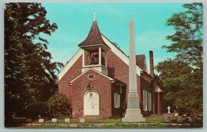 Dover Delaware~Old Christ Church Exterior View~Vintage Postcard