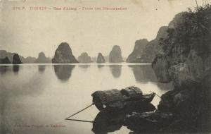 CPA Vietnam Indochine TONKIN Baie d'Along - Passe des Marionettes (62613)