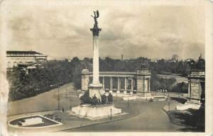 Hungary Budapest Heroes square with the millenary monument 1942