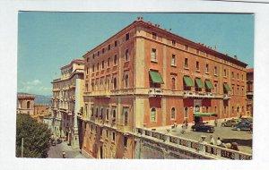 P1315 vintage unused postcard brufani palace hotel perugia italy old cars people