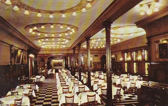 Henrici's Restaurant Dining Room Interior Chicago Illinois