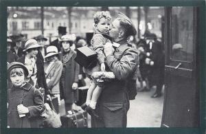 Nostalgia Postcard WW2 1940 London Schools Evacuated Reproduction Card NS31
