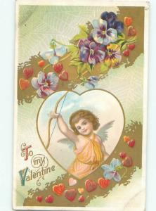 Pre-Linen Valentine CUPID HOLDS UP BOW AB3062