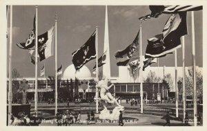 RP: New York World´s Fair 1930s ; Flags at Entrance