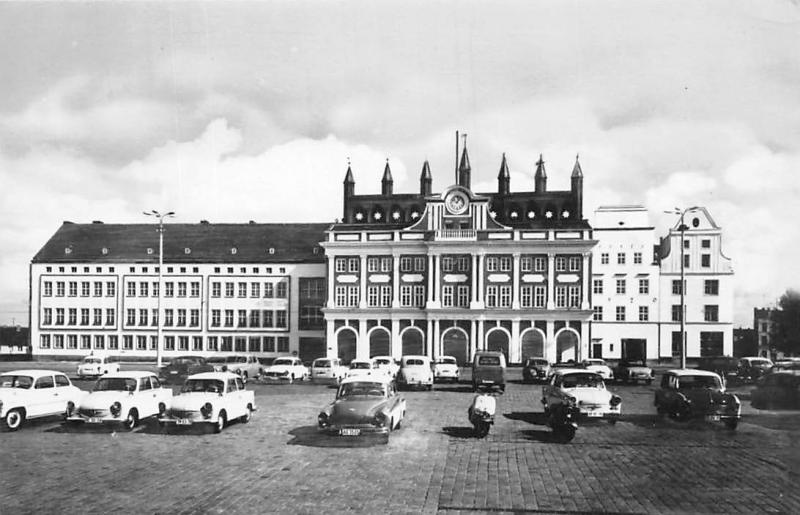 Rostock Rathaus Town Hall Auto Vintage Cars Voitures Motorcycles