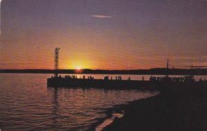 Sept-Iles, Coucher de soleil au vieux quai, Quebec, Canada, PU-1983