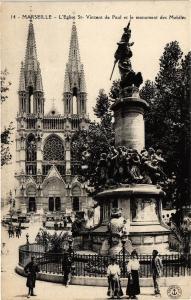 CPA Marseille-L'Eglise St Vincet de Paul et le monument des Mobiles (185904)