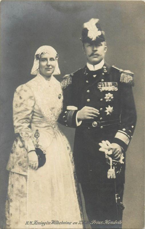 Majesty Oueen Wilhelmina & groom Prince Hendrik Netherland Uniform Bride Dress