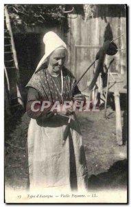 Postcard Old Types & # 39Auvergne Old Peasant Folklore
