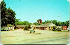 Holland, Michigan Postcard TULIP City MOTEL Route M21 Roadside c1950s Unused