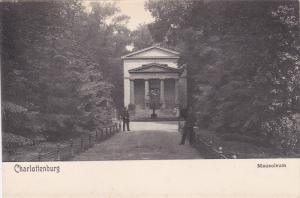 Men, Mausoleum, CHARLOTTENBURG, Berlin, Germany, 1900-1910s