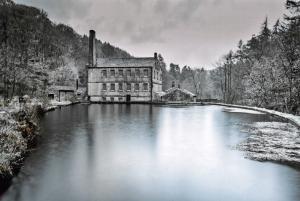 Yorkshire Postcard, Gibsons Mill, Hardcastle Crags, Hebden Bridge X64