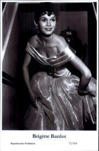 Beautiful Actress BRIGITTE BARDOT 72/554 Swiftsure 2000 Postcard GREAT QUALITY
