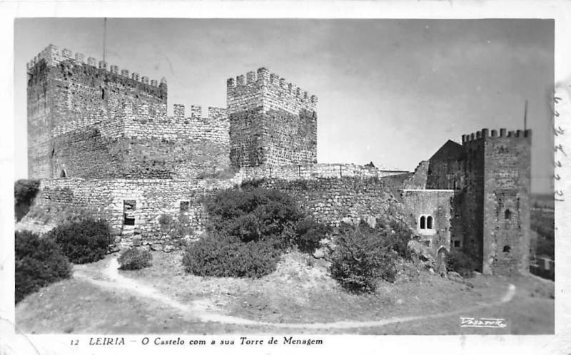 Portugal Leiria O Castelo Com a Sua Torre de Menagem