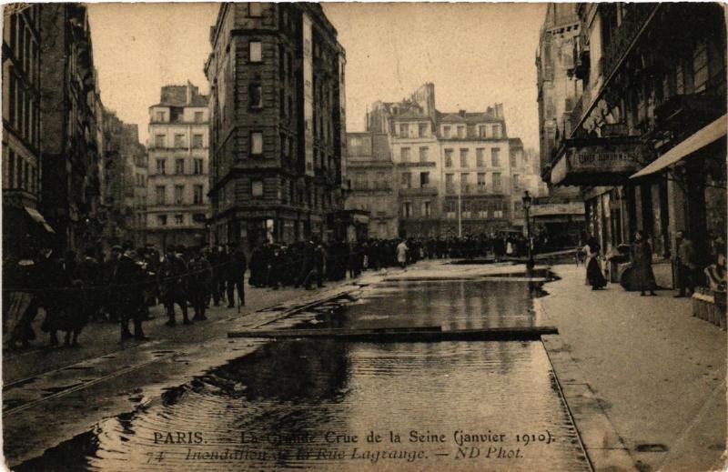 CPA La Grande Crue de la Seine. 74 Rue Lagrange (561700)