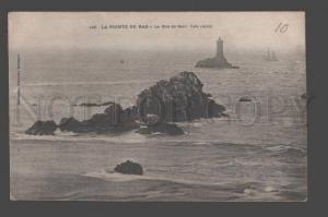 090880 FRANCE Lighthouse du raz Le Raz de Sein-Les recifs Old